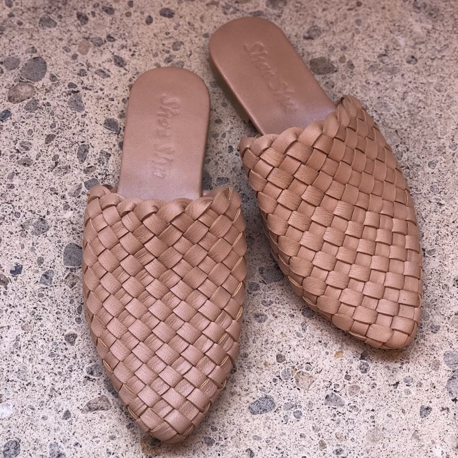 LEATHER POINTED WOVEN LOAFER SLIDE