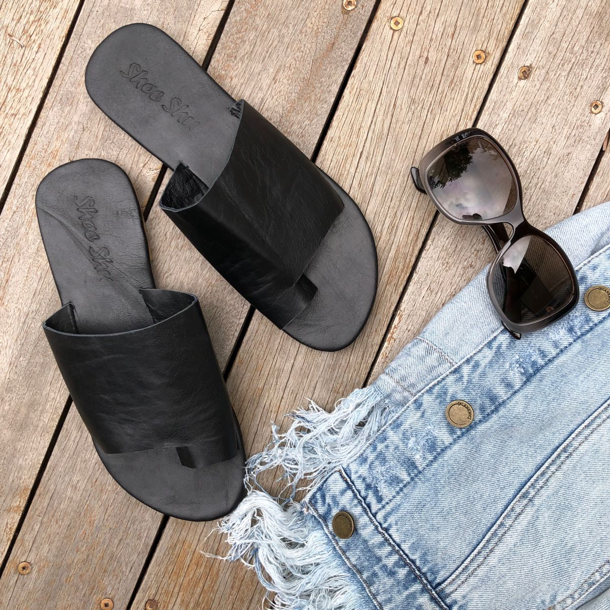 LEATHER TOE SLIDE