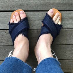 DENIM CROSS FRINGE SLIDES