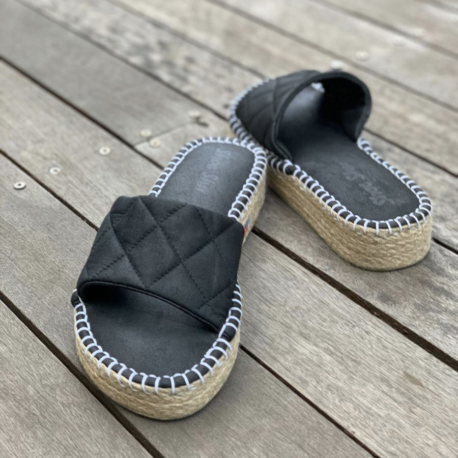 LEATHER QUILT ESPADRILLE WEDGE