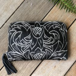 HIDE CARVED TRIBAL ZIP ROUND WALLET
