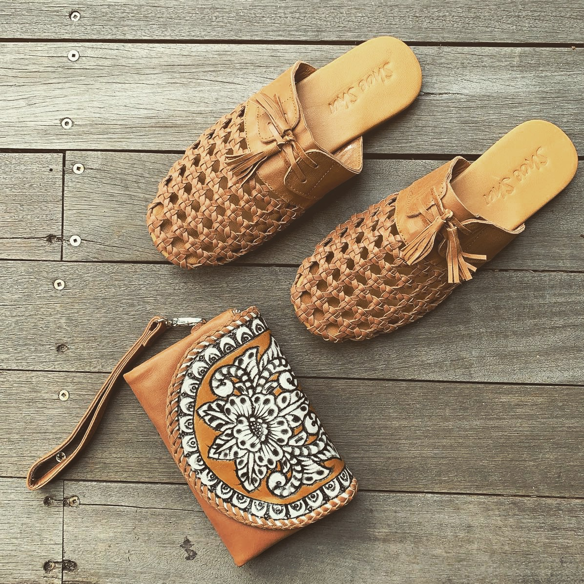 LEATHER WOVEN TASSEL SLIDE