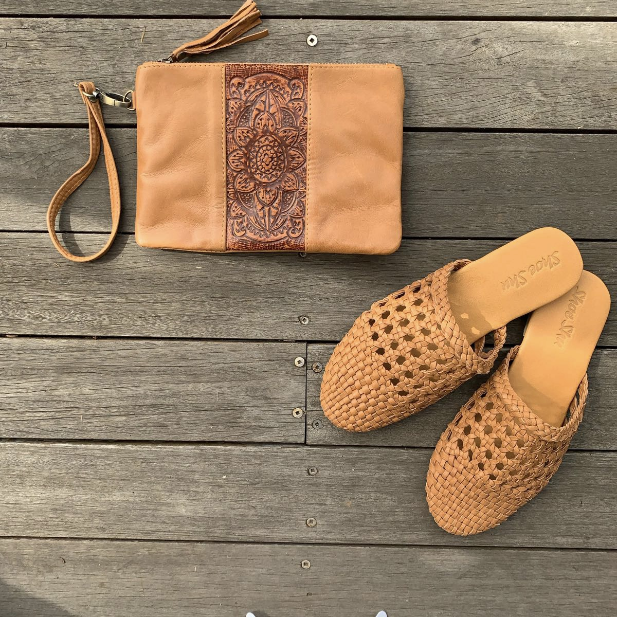 LEATHER WOVEN CAGE SLIDE