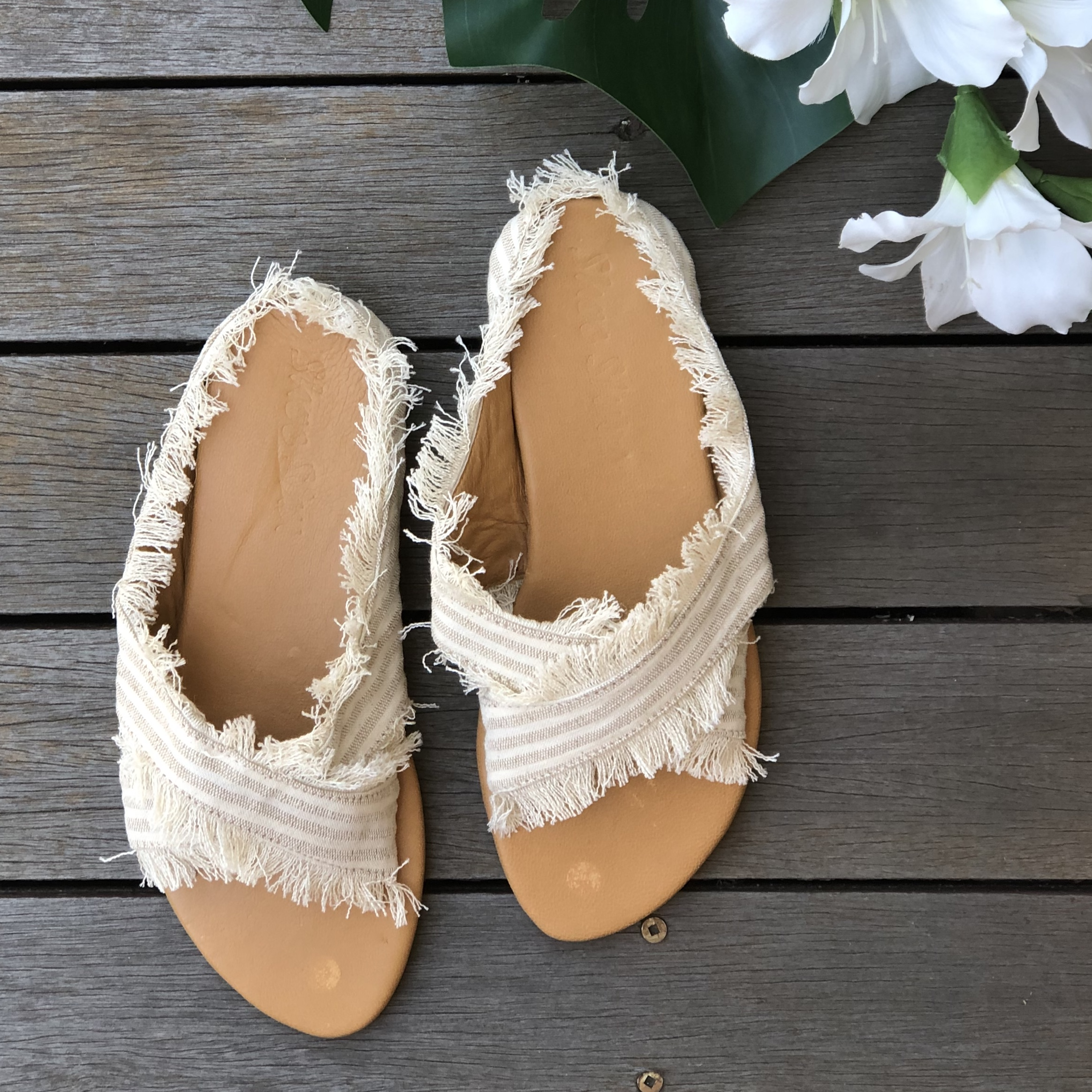 DENIM CROSS FRINGE WRAP SLIDE